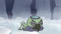 S2E2 Ludo pokes his beak in the ice