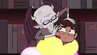S4E13 Relicor Lucitor smelling Marco Diaz