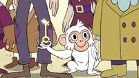 S4E2 White monkey holding the key