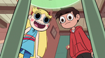 S2E11 Star Butterfly excited about tadpoles' legs