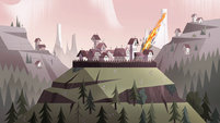 S4E35 Mewni village in the past under attack