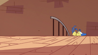 S3E31 Glossaryck falling down the stairs