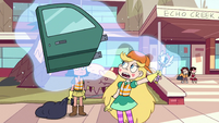 S2E38 Star Butterfly levitating a car door