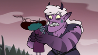 S3E36 Meteora Butterfly holding Eclipsa