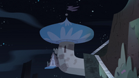 S4E18 Exterior view of Star's bedroom loft