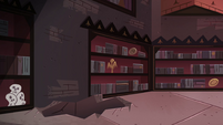 S4E13 Hole in the floor in Relicor's study