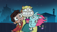 S1e2 star squeezes her friends