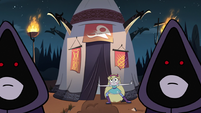 S3E12 Star Butterfly sneaks toward the tent