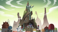 S4E3 Monster Temple and Monstertown