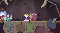 S4E24 Eclipsa leaves decision to the audience