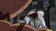 S3E36 Moon and Eclipsa worried about Rich Pigeon