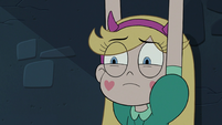 S3E7 Star Butterfly hears a commotion outside