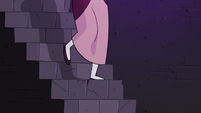 S4E23 Eclipsa going down flight of stairs