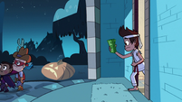 S2E21 Marco Diaz holding a bundle of cash