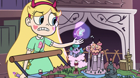 S3E17 Star levitating a figurine of Pony Head