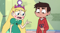 S3E23 Star Butterfly pointing at Marco's scissors