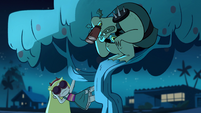 S1E6 Buff Frog spies on Star