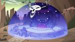 S4E24 Omnitraxus closes auditorium in a bubble