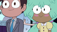 S3E34 Marco and Kelly walking past Star