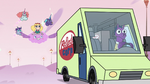 S3E35 Star and pony sisters following the van
