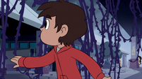 S1E11 Marco looking around
