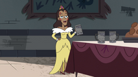 S4E10 Queen Spiderbite holding tableware