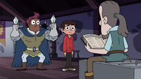 S4E18 Stabby and Marco looking at Sir Crandle