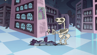 S4E11 Quest Buy sloth reduced to his bones