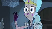 S3E11 Queen Moon reveals her blackened hand