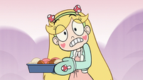 S3E21 Star Butterfly surprised by loud buzzing