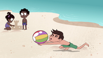 S4E27 Marco bumps ball back to Star