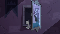 S3E38 Eclipsa's shackles in open secret passageway