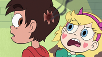 S3E22 Star Butterfly looking at Marco's burnt bald spot