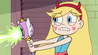 S2E30 Star Butterfly casting green magic