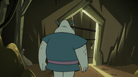 S2E20 Buff Frog approaching the bright room