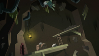 S2E20 Buff Frog scaling the mine's walls
