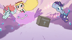 S3E35 Star and pony sisters dodging the boxes