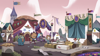 S4E1 Wide view of Pie Carnival