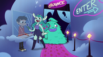 S2E33 Faun girl and hairy girl enter the Bounce Lounge