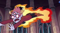 S3E25 Tom Lucitor diving toward Marco Diaz