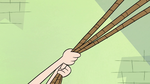 S2E1 Star Butterfly pulls on ropes