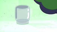 S4E21 Pickle jar empty in Glowworm's light