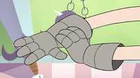 S4E18 Star putting on metal gauntlets