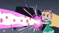 S4E28 Star Butterfly shooting Cupcake Blast