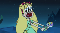 S1E7 Star gasping at Marco's phone