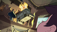 S3E18 Mewberty Star carrying the Goblin Dog truck