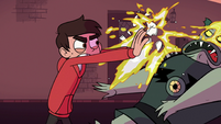 S1E16 Marco throws egg in Buff Frog's face