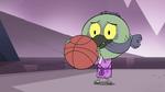 S4E14 Ludo catches the basketball