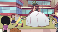 S2E38 Star Butterfly about to pull the white tarp