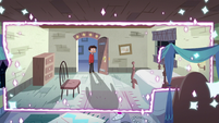 S2E41 Marco watches Star's room return to normal